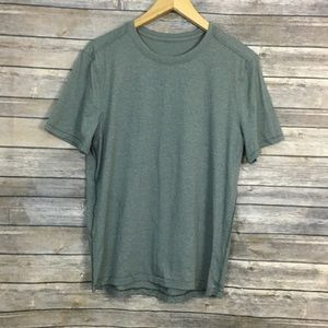 Lululemon Men's Gray T-shirt